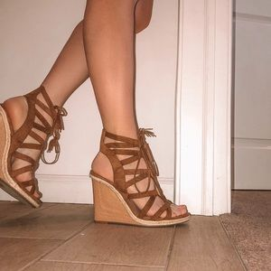 Tie up wedges